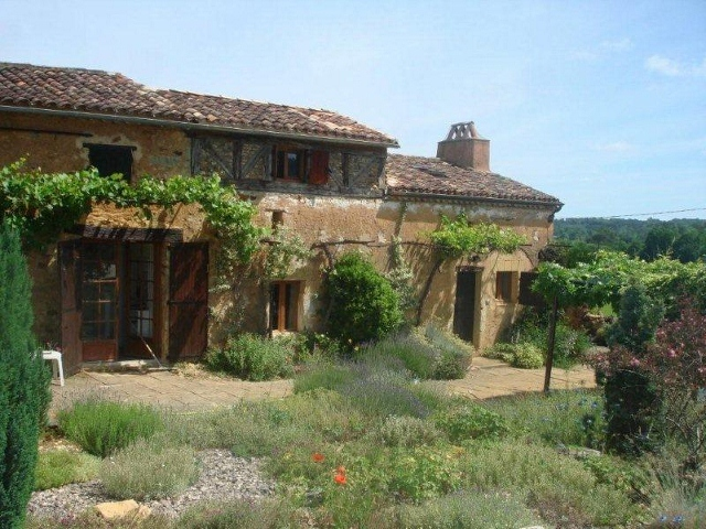 Renovated charming farm house with private pool to let in the ...